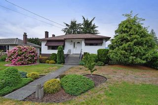 Photo 1: 927 SMITH Avenue in Coquitlam: Coquitlam West House for sale : MLS®# R2072797