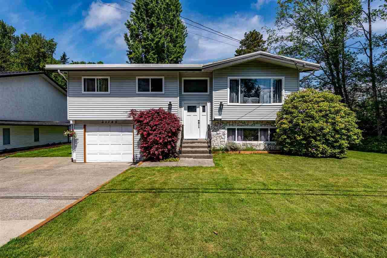 Main Photo: 31745 CHARLOTTE Avenue in Abbotsford: Abbotsford West House for sale : MLS®# R2579310