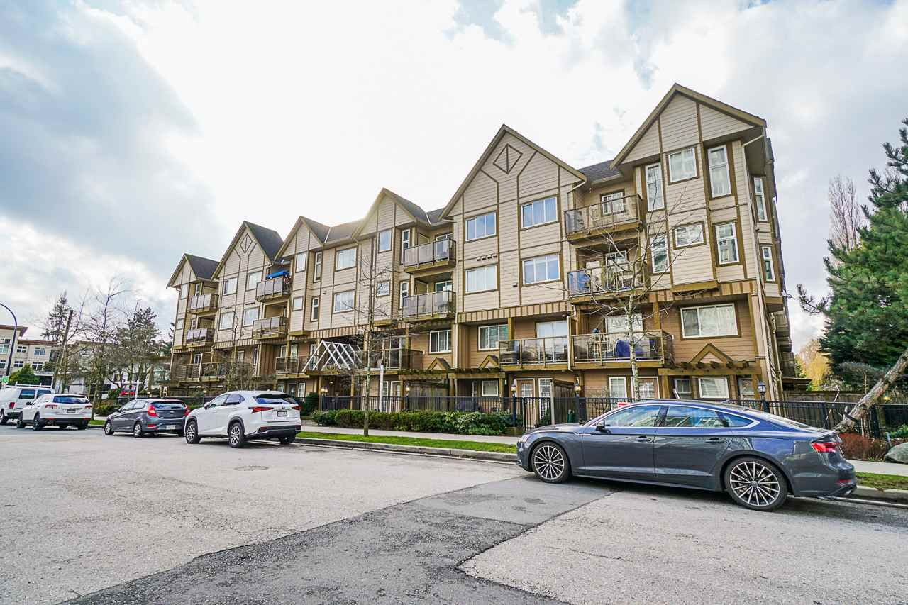 "Main Photo: 109 10289 133 Street in Surrey: Whalley Townhouse for sale in ""Whalley"" (North Surrey)  : MLS®# R2438608"