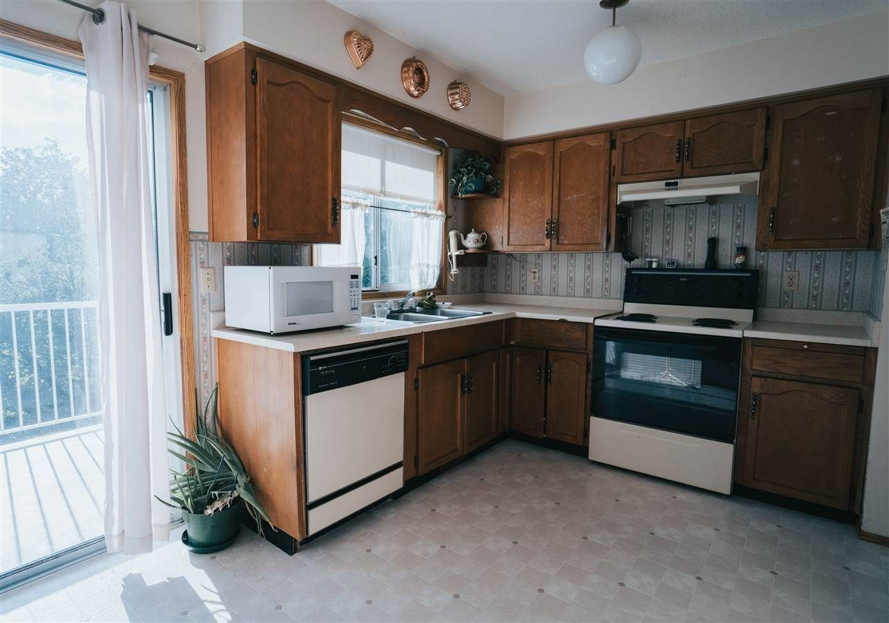 Photo 11: Photos: 3655 FIFE Place in Abbotsford: Central Abbotsford House for sale : MLS®# R2479390