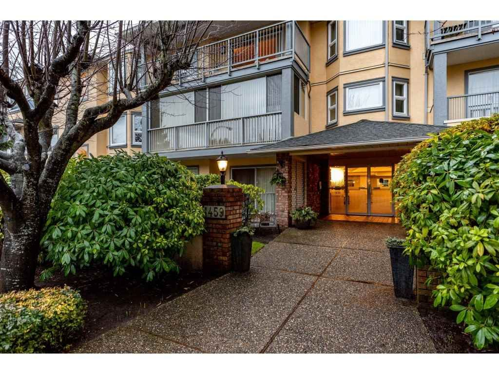 Main Photo: 301 1459 BLACKWOOD Street: White Rock Condo for sale (South Surrey White Rock)  : MLS®# R2429826
