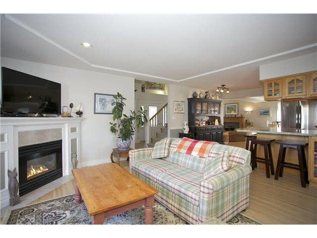 Photo 7: Photos: 14012 COLDICUTT Avenue: White Rock House for sale (South Surrey White Rock)  : MLS®# F1451146