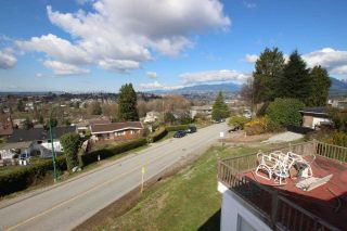 "Photo 4: 11 DELTA Avenue in Burnaby: Capitol Hill BN House for sale in ""Capitol Hill"" (Burnaby North)  : MLS®# R2265350"