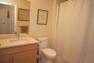 Photo 11: 404 935 Cloverdale Ave in VICTORIA: SE Quadra Condo for sale (Saanich East)  : MLS®# 773366