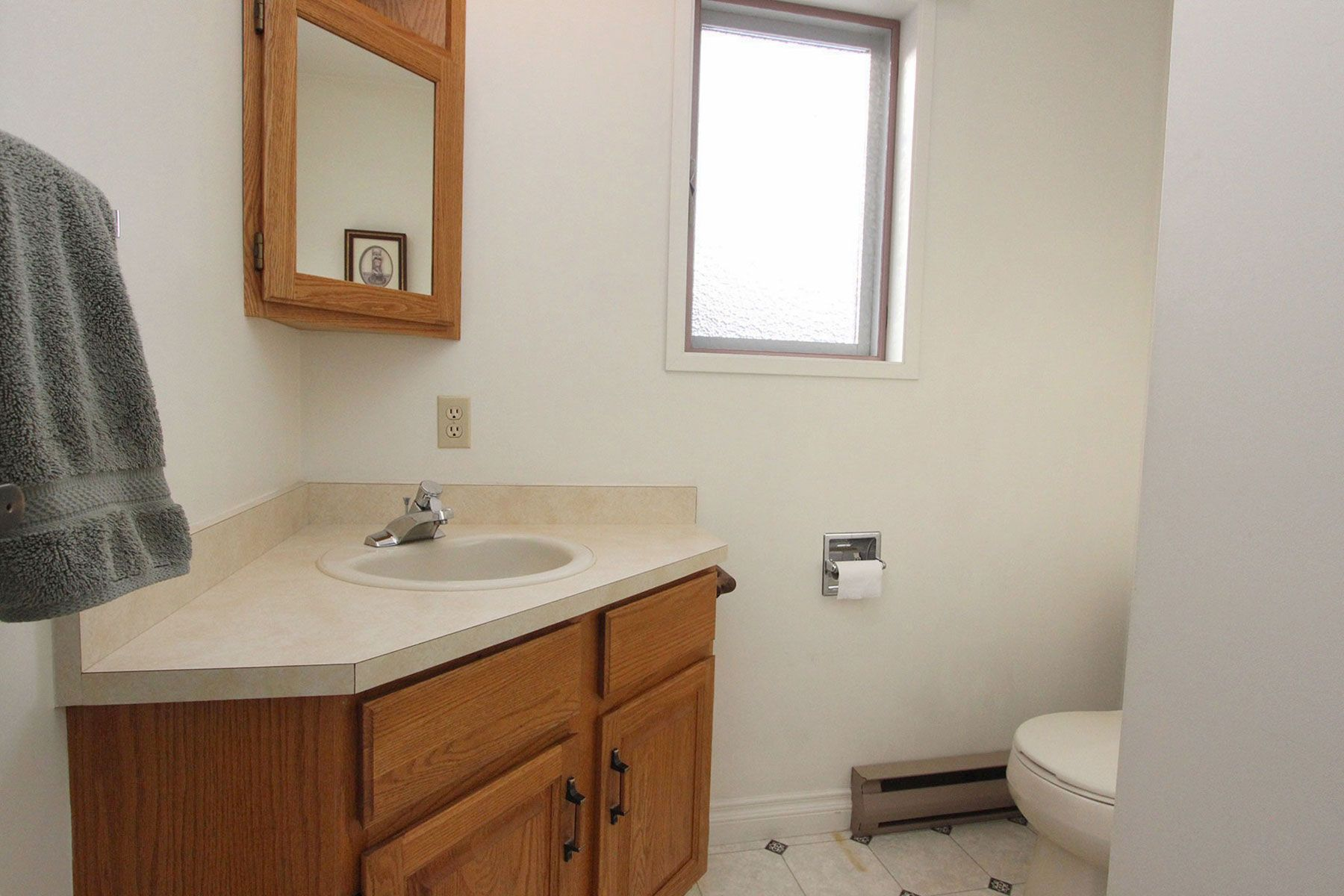 Photo 14: Photos: 1350 Trans Canada Highway in Sorrento: House for sale : MLS®# 10225818