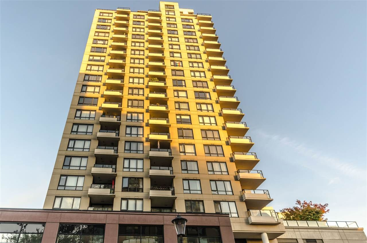 """Main Photo: 803 1 RENAISSANCE Square in New Westminster: Quay Condo for sale in """"THE Q"""" : MLS®# R2513305"""