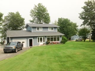 Photo 2: 13204 Lakeshore Drive in Charlie Lake: House for sale