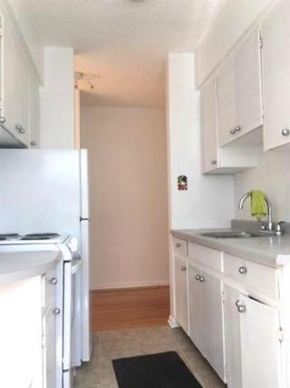 Photo 3: 2404 2 Street SW in Calgary: Mission Multi Family for sale : MLS®# A1123080