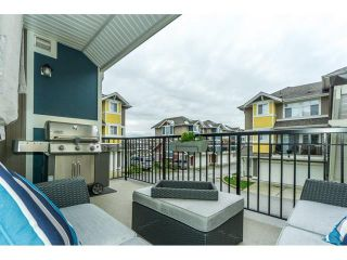 Photo 3: 29 6036 164 Street in Surrey: Cloverdale BC Townhouse for sale (Cloverdale)  : MLS®# R2240193