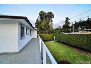 Photo 9: 504 Salton Dr in VICTORIA: Co Triangle House for sale (Colwood)  : MLS®# 703189