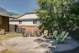 """Photo 19: 41374 DRYDEN Road in Squamish: Brackendale House for sale in """"Brackendale"""" : MLS®# R2198766"""