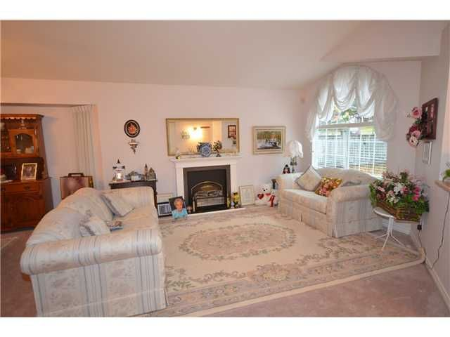 Photo 2: Photos: 3300 ROBSON Drive in Coquitlam: Hockaday House for sale : MLS®# V978068