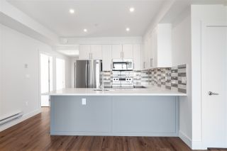 """Photo 4: 501 218 CARNARVON Street in New Westminster: Downtown NW Condo for sale in """"Irving Living"""" : MLS®# R2545873"""
