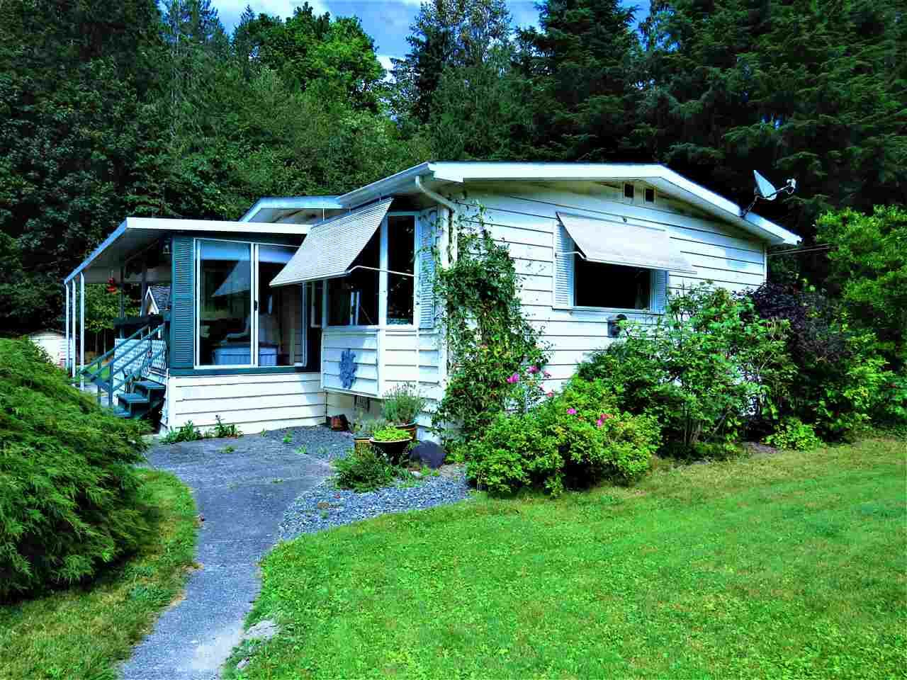 """Main Photo: 1 50801 O'BYRNE Road in Sardis: Chilliwack River Valley Manufactured Home for sale in """"CHWK RVR RV &CMP"""" : MLS®# R2398134"""