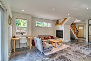 """Photo 8: 723 DOGWOOD & BLACKBERRY LANE Road in Gibsons: Gibsons & Area House for sale in """"Bay area"""" (Sunshine Coast)  : MLS®# R2593511"""