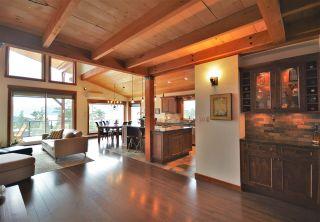 "Photo 10: 4227 JOHNSTON HEIGHTS Drive in Garden Bay: Pender Harbour Egmont House for sale in ""Daniel Point"" (Sunshine Coast)  : MLS®# R2562184"