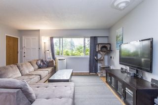 Photo 3: 3475 ST. ANNE Street in Port Coquitlam: Glenwood PQ House for sale : MLS®# R2204420