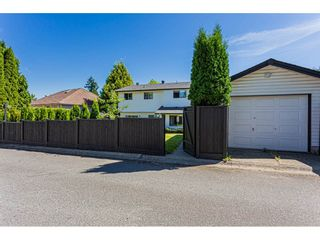 Photo 3: 19293 63A Avenue in Surrey: Clayton House for sale (Cloverdale)  : MLS®# R2559799