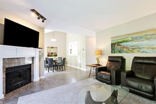 Photo 5: 109 16275 15 AVENUE in Surrey: King George Corridor Townhouse for sale (South Surrey White Rock)  : MLS®# R2580156
