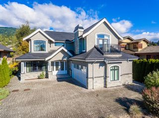 Photo 1: 2353 JEFFERSON Avenue in West Vancouver: Dundarave House for sale : MLS®# R2625044