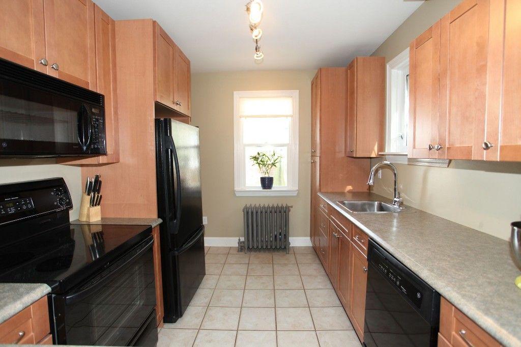 Photo 8: Photos: 233 Sherburn Street in Winnipeg: Wolseley Single Family Detached for sale (West Winnipeg)  : MLS®# 1412734