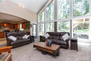 Photo 7: 672 Stewart Mountain Rd in VICTORIA: Hi Eastern Highlands House for sale (Highlands)  : MLS®# 816219
