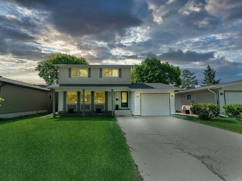 FEATURED LISTING: 202 Vista Avenue Winnipeg