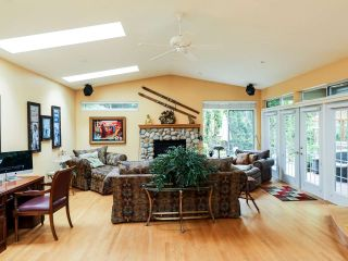 Photo 4: 3673 PRINCESS AVENUE in North Vancouver: Princess Park House for sale : MLS®# R2205304
