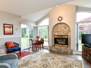 Photo 5: 46 396 Harrogate Rd in CAMPBELL RIVER: CR Willow Point Row/Townhouse for sale (Campbell River)  : MLS®# 827262