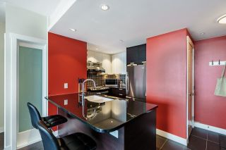 """Photo 10: 2508 2968 GLEN Drive in Coquitlam: North Coquitlam Condo for sale in """"GRAND CENTRAL II"""" : MLS®# R2603634"""