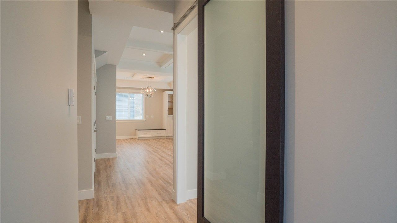 Photo 3: Photos: 2926 160 Street in Surrey: Grandview Surrey House for sale (South Surrey White Rock)  : MLS®# R2232839