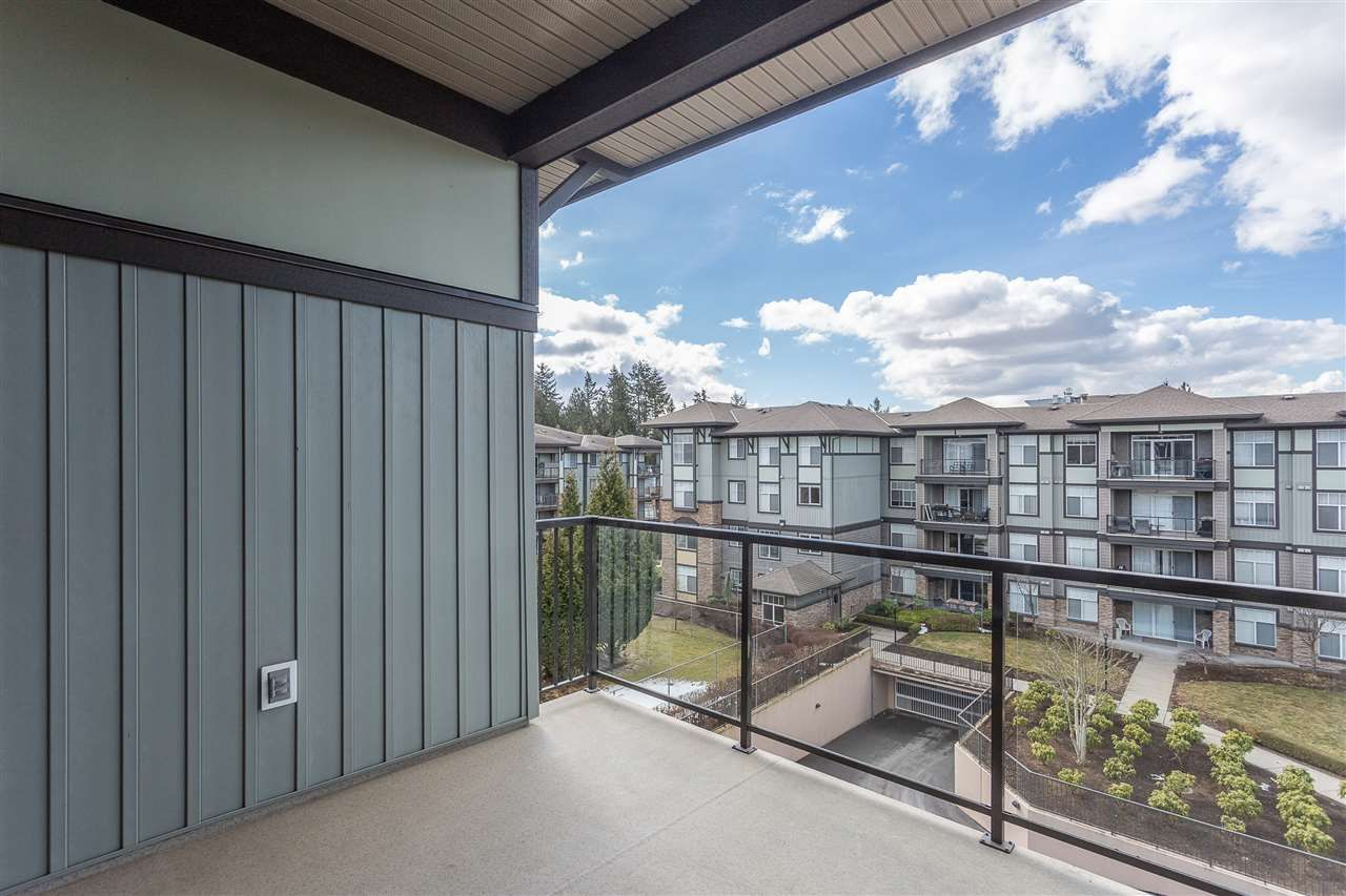 """Photo 19: Photos: 409 33338 MAYFAIR Avenue in Abbotsford: Central Abbotsford Condo for sale in """"The Sterling"""" : MLS®# R2346998"""