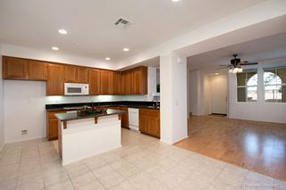 Photo 7: TORREY HIGHLANDS Townhouse for sale : 2 bedrooms : 7720 Via Rossi #5 in San Diego