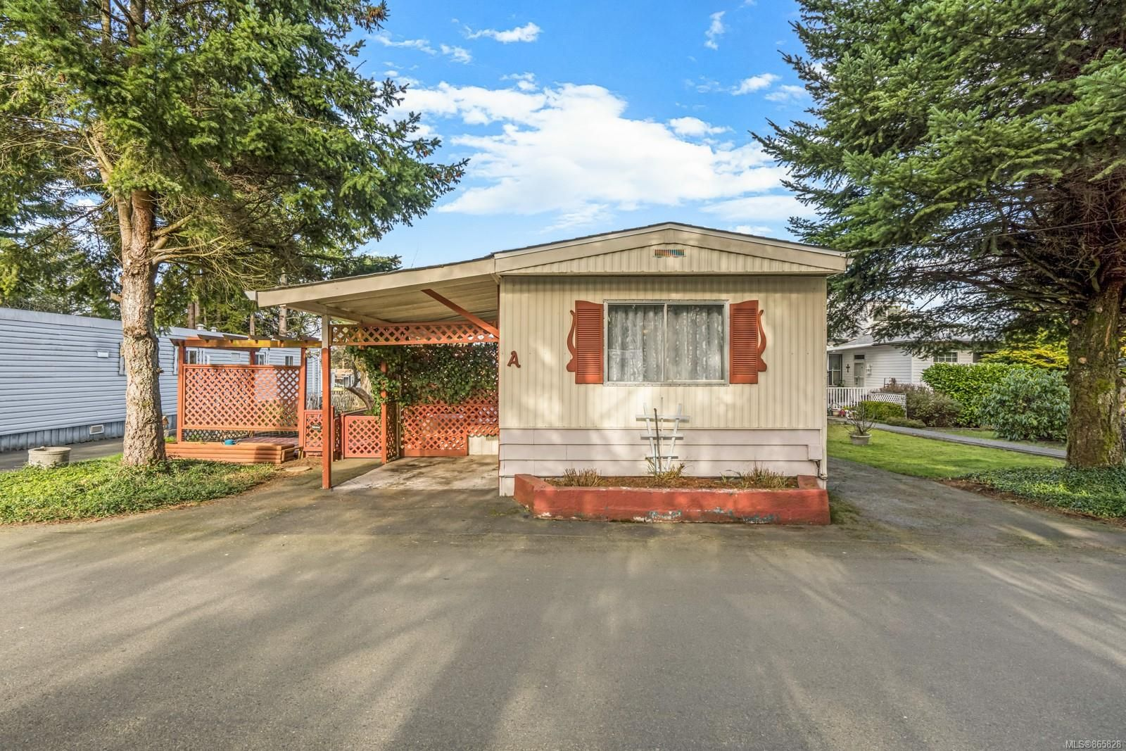Main Photo: A 1359 Cranberry Ave in : Na Extension Manufactured Home for sale (Nanaimo)  : MLS®# 865828