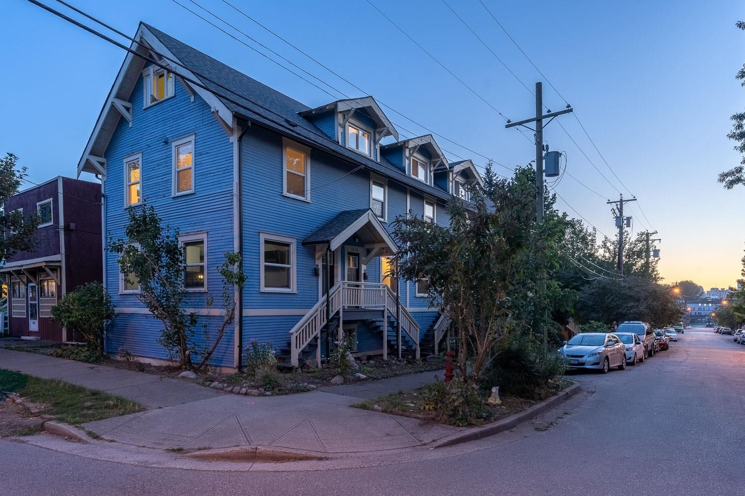 Main Photo: 1430 NAPIER Street in Vancouver: Grandview Woodland Multi-Family Commercial for sale (Vancouver East)  : MLS®# C8040090