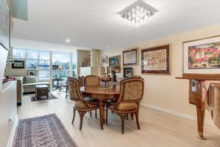 Photo 2: 2215 OAK Street in Vancouver: Fairview VW Townhouse for sale (Vancouver West)  : MLS®# R2542195