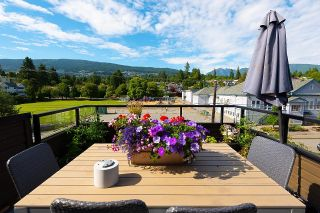 """Photo 7: 401 1340 DUCHESS Avenue in West Vancouver: Ambleside Condo for sale in """"Duchess Lane"""" : MLS®# R2594864"""