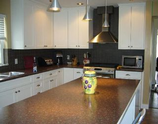 """Photo 3: 1474 SUNSET Place in Gibsons: Gibsons & Area House for sale in """"Georgia Crest"""" (Sunshine Coast)  : MLS®# V812460"""