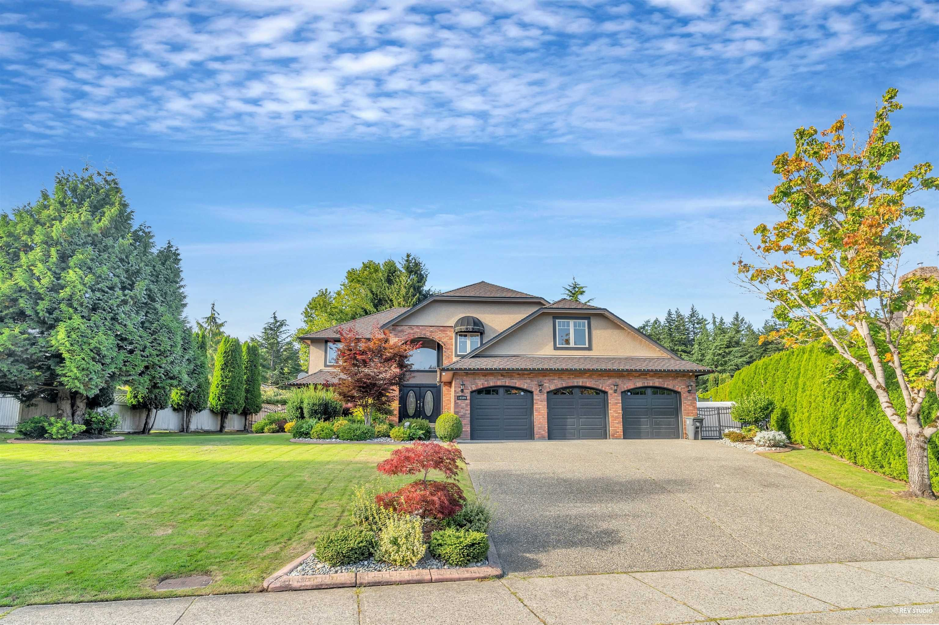 Main Photo: 14509 30 Avenue in Surrey: Elgin Chantrell House for sale (South Surrey White Rock)  : MLS®# R2620653