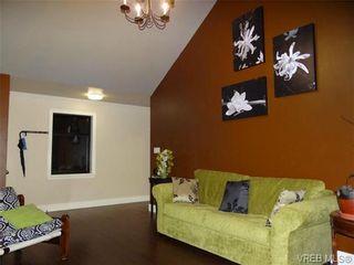 Photo 3: 3146 Quadra St in VICTORIA: Vi Mayfair House for sale (Victoria)  : MLS®# 652495