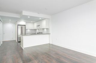 "Photo 3: 410 131 E 3RD Street in North Vancouver: Lower Lonsdale Condo for sale in ""THE ANCHOR"" : MLS®# R2139932"