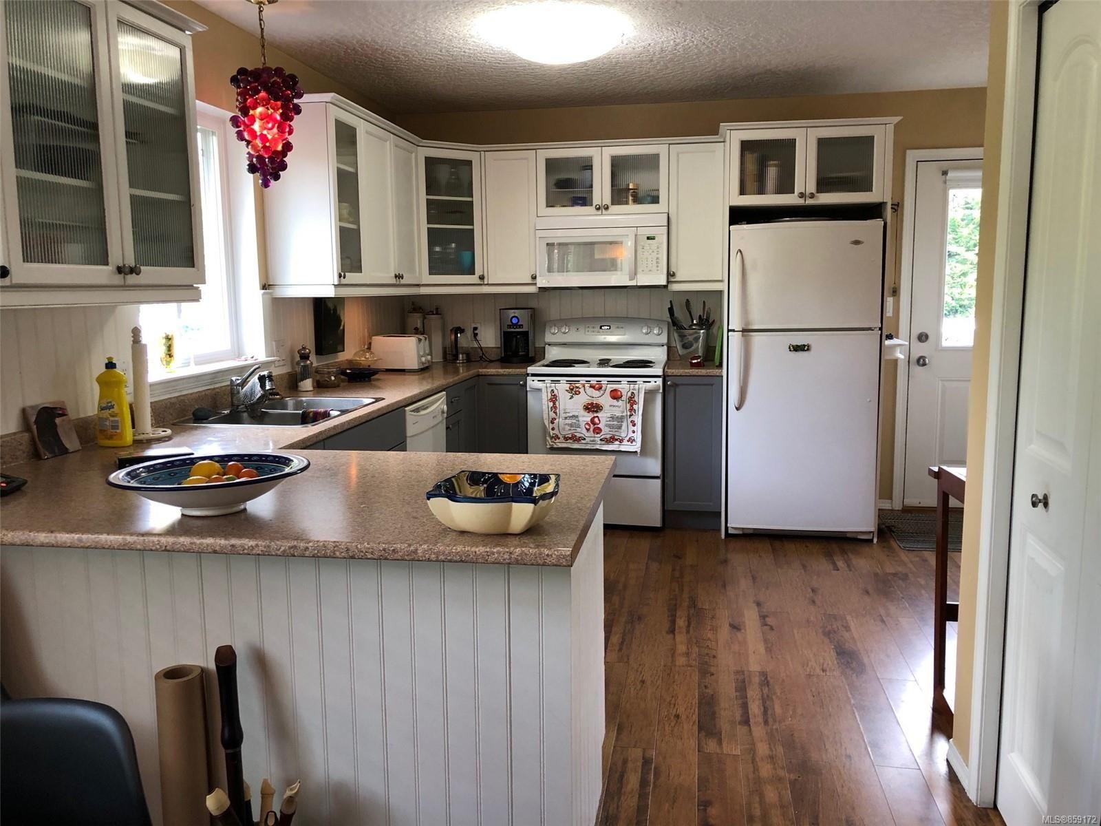Photo 2: Photos: 1723 Karen's Crt in : PQ Qualicum North House for sale (Parksville/Qualicum)  : MLS®# 859172