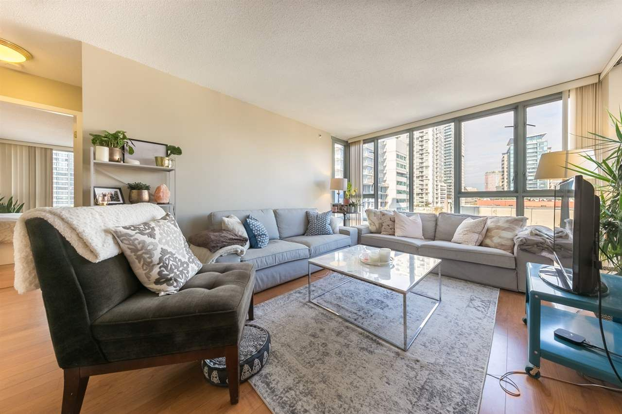 """Main Photo: 1006 930 CAMBIE Street in Vancouver: Yaletown Condo for sale in """"Pacific Place Landmark II"""" (Vancouver West)  : MLS®# R2507725"""