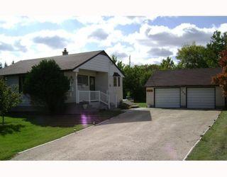 Photo 1: 722 FOXGROVE Avenue in WINNIPEG: Birdshill Area Residential for sale (North East Winnipeg)  : MLS®# 2907816