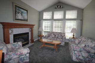 """Photo 2: 4623 224 Street in Langley: Murrayville House for sale in """"Murrayville"""" : MLS®# R2208365"""