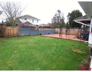 Photo 5: 9488 153A Street in Surrey: Fleetwood Tynehead House for sale : MLS®# F2702364