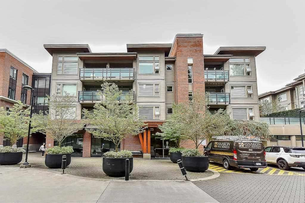 Main Photo: 405 1673 LLOYD Avenue in North Vancouver: Pemberton NV Condo for sale : MLS®# R2222440