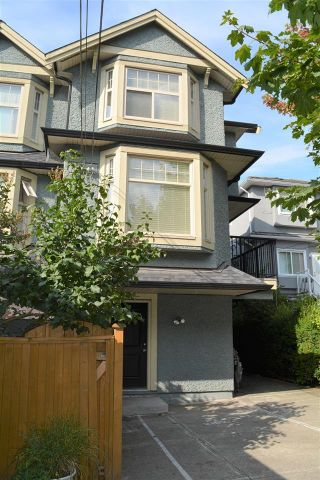 Photo 2: 2168 FRANKLIN STREET in Vancouver: Hastings Townhouse for sale (Vancouver East)  : MLS®# R2382704
