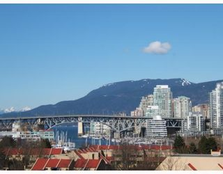 """Photo 1: 7 973 W 7TH Avenue in Vancouver: Fairview VW Townhouse for sale in """"FAIRVIEW"""" (Vancouver West)  : MLS®# V748491"""