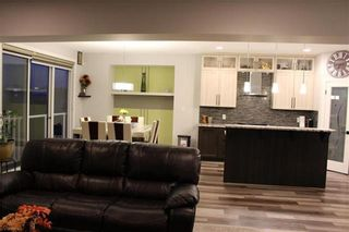 Photo 3: 39 Cartesian Gate in Winnipeg: Amber Trails Residential for sale (4F)  : MLS®# 202107570